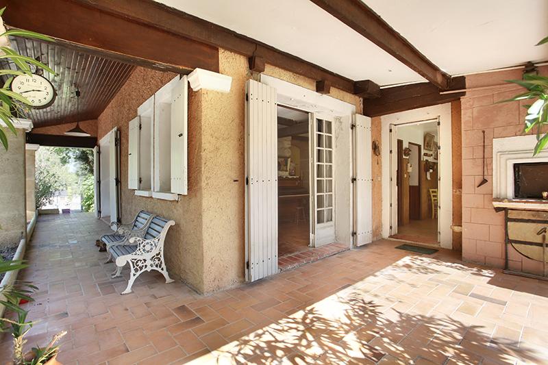 Maison-Villa - SAINT ESTEVE JANSON