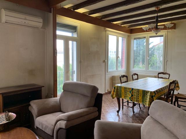 Maison-Villa - SAINT CHAMAS